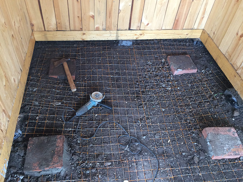 как правильно залить пол в бане бетоном
