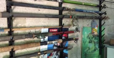 Полка для удочек настенная в гараже своими руками