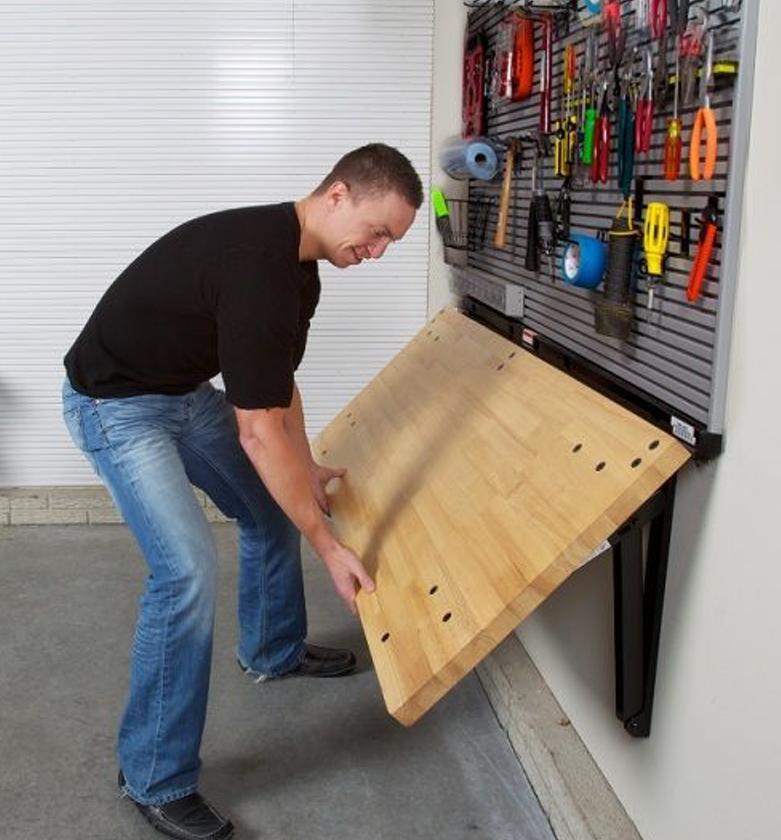 складной стол в гараже