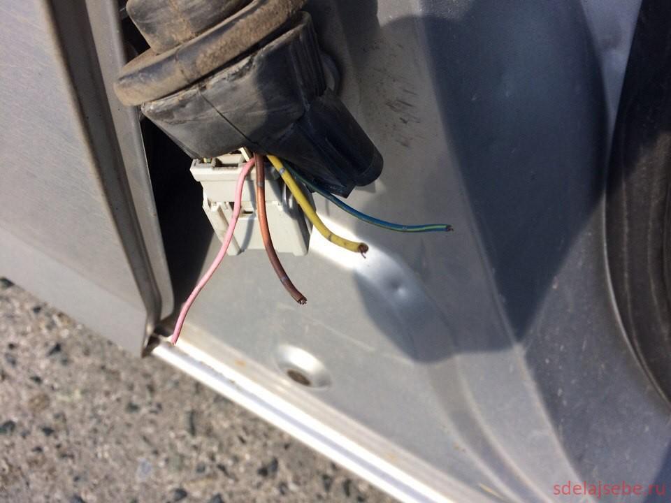 переломаны провода двери honda fit