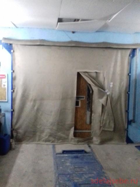 калитка в шторах на гаражные ворота