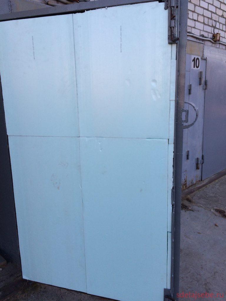 пеноплект в гаражных воротах в качетсве утеплителя