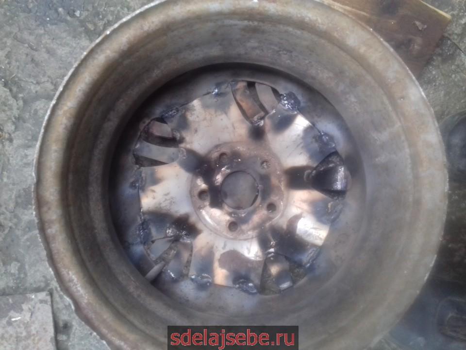 печь из колеса