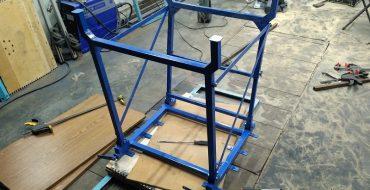 Традиционная синяя краска для верстака в гараж