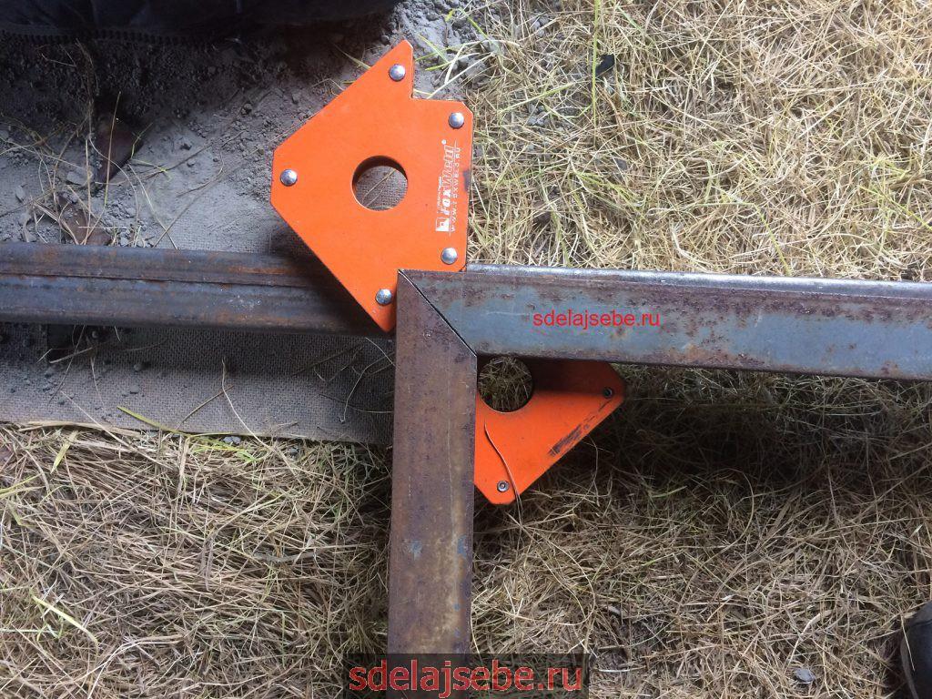сварка калитки при помощи магнитов